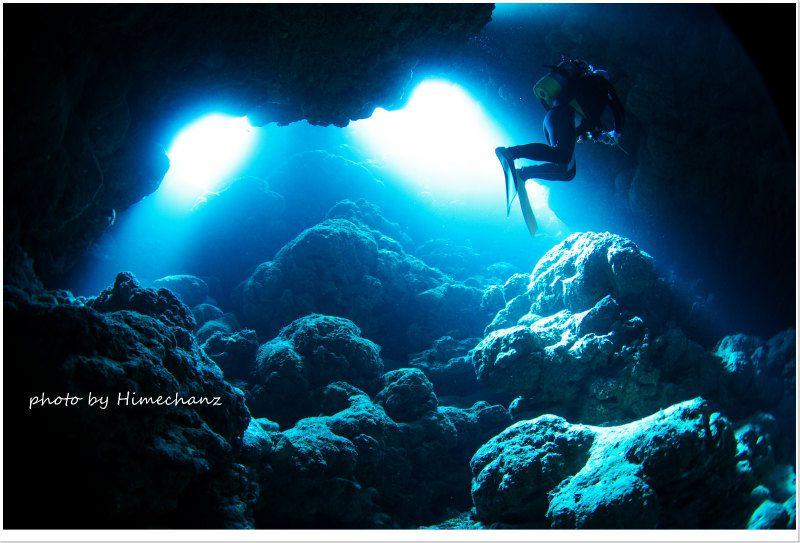 西表島 高那洞窟の光 photo by Nikon D300