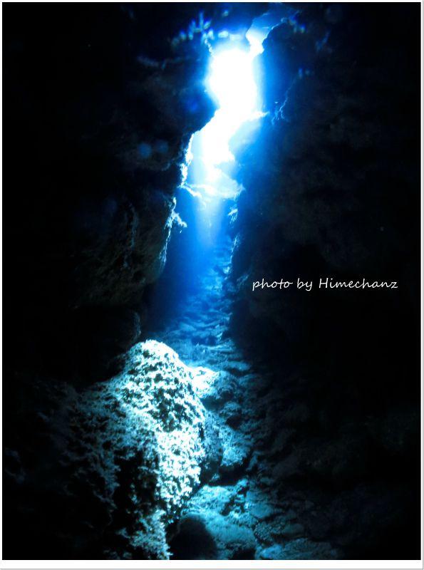 絶妙にキレイだった洞窟の光! photo by CANON PowerShot S100