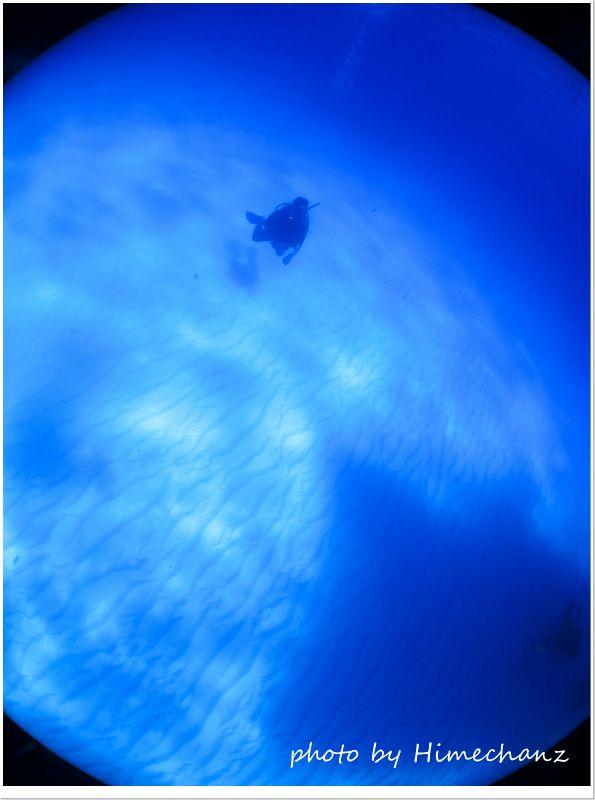 このブルーの世界を待っていた!w photo by CANON PowerShot S100