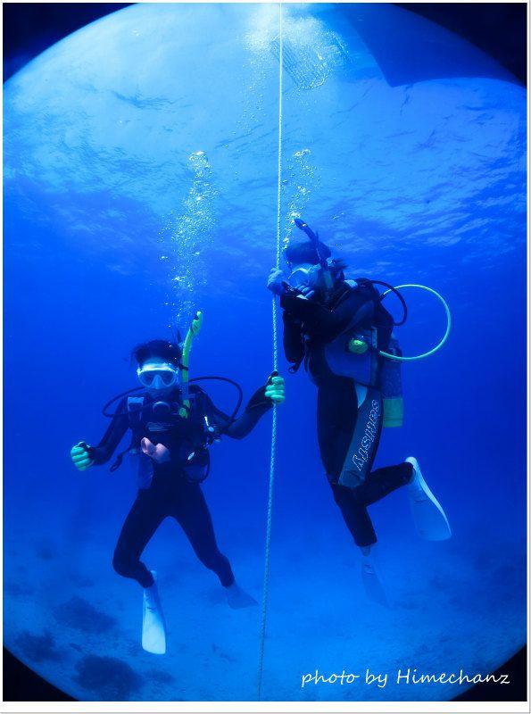 竹富ブルーに包まれて潜降です♪ photo by CANON PowerShot S100