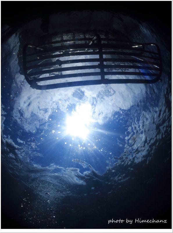 透明度もよく、空まで見えるいい感じの海況でした! photo by CANON PowerShot S100