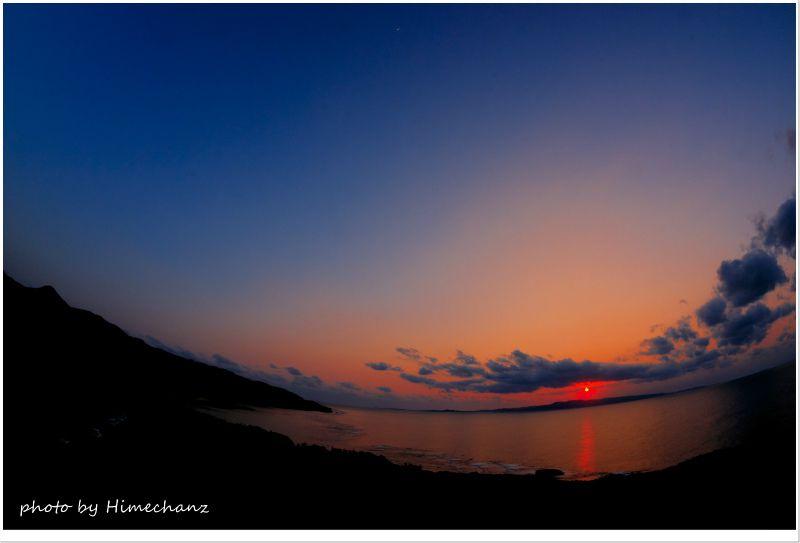 御神崎灯台から見た夕日 photo by NIKON D300