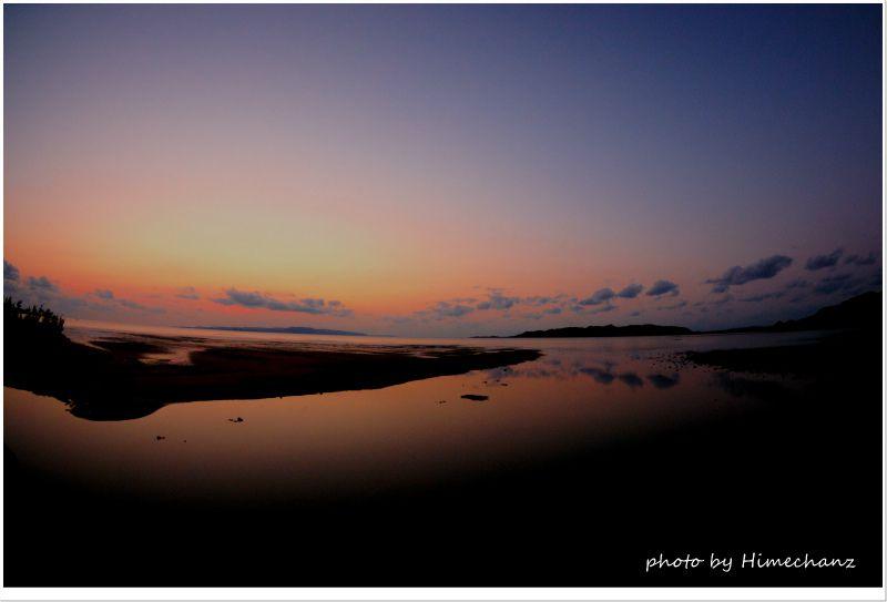まるで湖のような名蔵湾 photo by NIKON D300