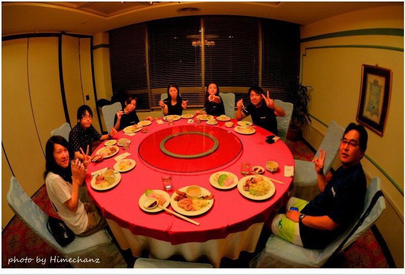 夜はホテルのサービスで夕食をいただきましたが、残念なお味だったので。。。 photo by Nikon D300