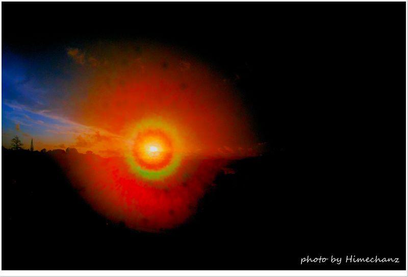 朝目が覚めると眩しい光が!ベランダに出てすぐシャッター切ると一気にレンズが曇ってましたw photo by CANON PowerShot S100