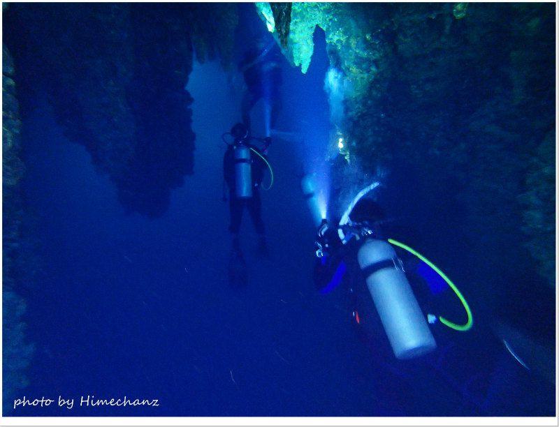 こうした洞窟体験はワクワクしますね♪ photo by OLYMPUS STYLUS TG-2 Tough