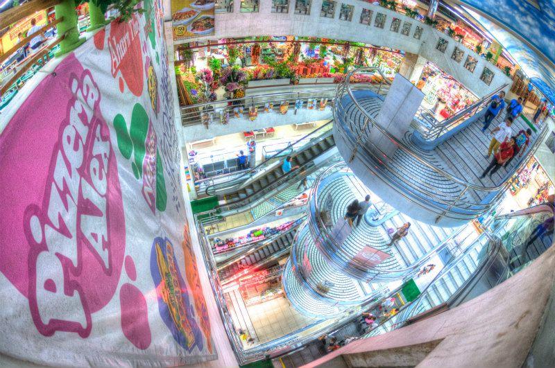 ショッピングモールへ♪めっちゃ都会でビックリw photo by Nikon D300
