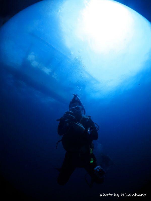 自分でセッティングしてないから潜降しながら残圧チェックですw photo by CANON PowerShot S100