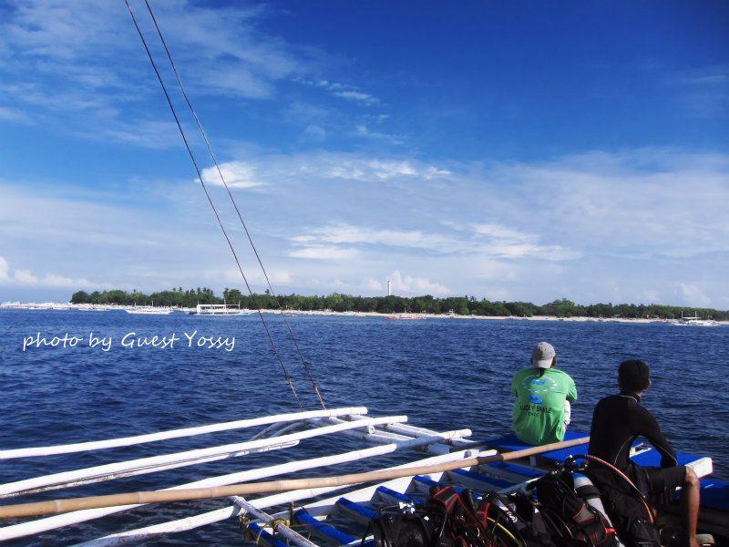 バリカサグ島に到着♪ photo by CANON PowerShot S90
